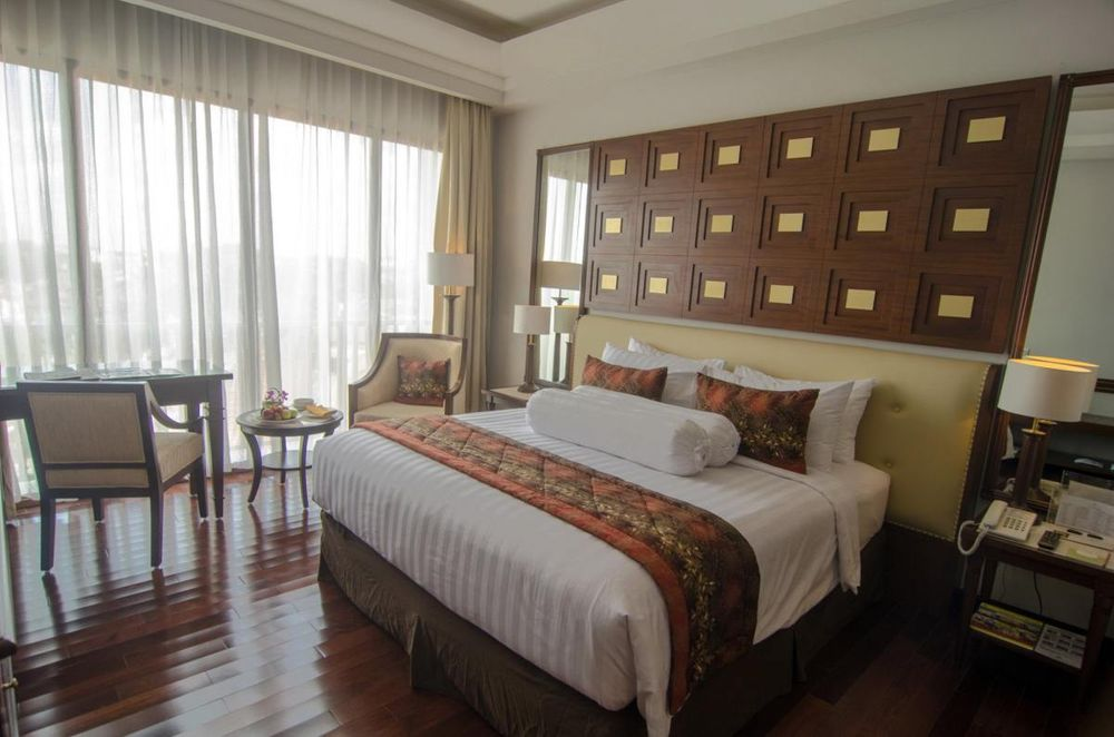 Executive Schlafzimmer, The Sunan Hotel, Solo, Indonesien Rundreise